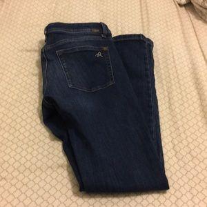 DL1961 dark wash skinny jeans 4 way stretch Sz 27